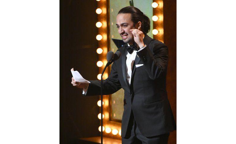Aunque no rompe récord Hamilton arrasa en los Premios Tony