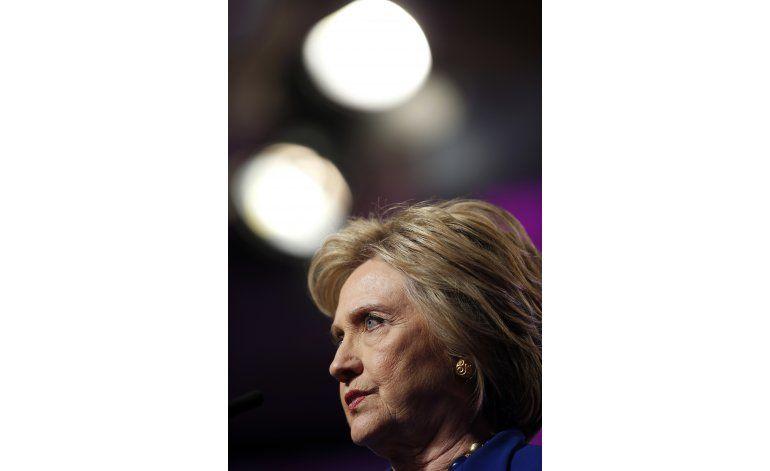Chocan Trump y Clinton en lucha antiterrorista y armas