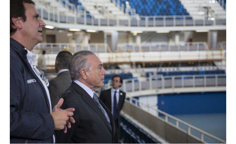 Brasil: Temer y presidente del COI recorren sedes olímpicas
