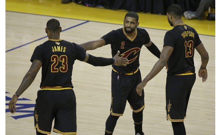 Irving y LeBron le inyectan nueva vida a los Cavs
