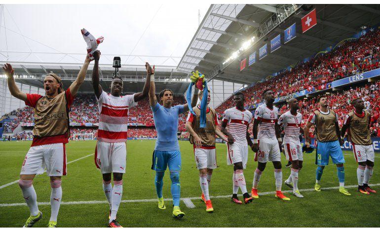Euro: Suiza va por la clasificación ante una herida Rumania