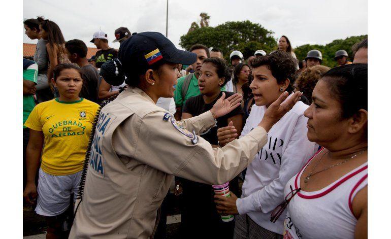 Protestas culminan en saqueos de comercios en Venezuela
