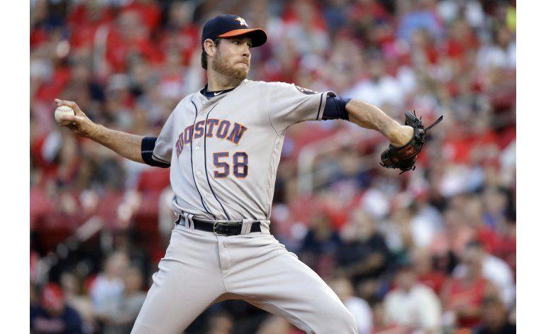Fister ayuda a triunfo de Astros, con el brazo y el bate