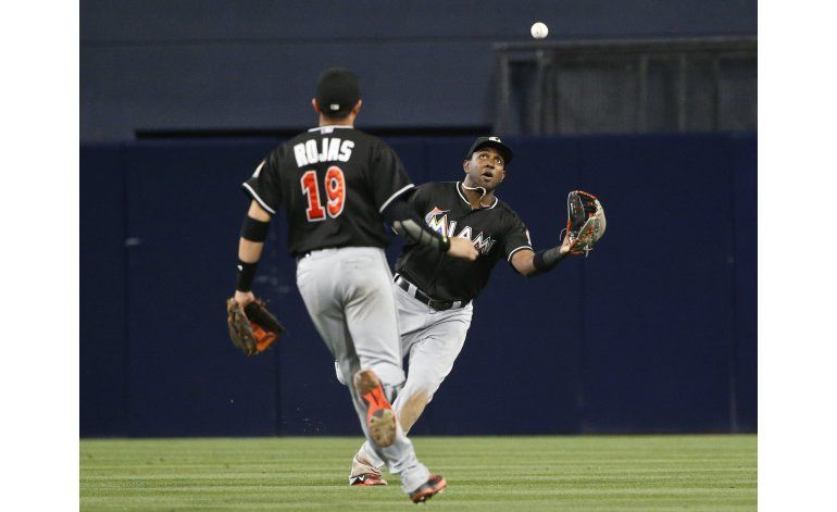 Grand Slam de Mathis impulsa a Marlins ante Padres