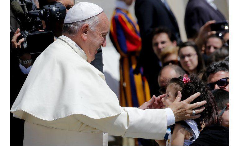 Anuncian ceremonia de aniversario de sacerdocio de Benedicto