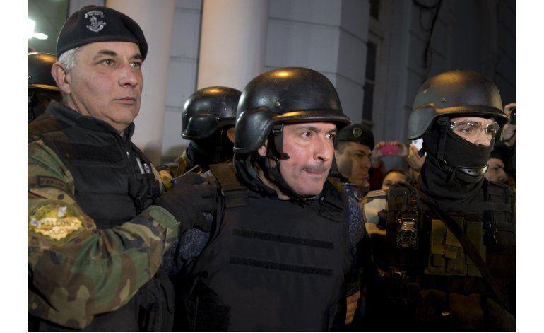 Defienden a Fernández tras escándalo de exfuncionario