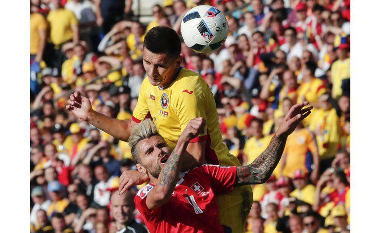 Euro: Suiza se acerca a octavos tras empatar 1-1 con Rumania