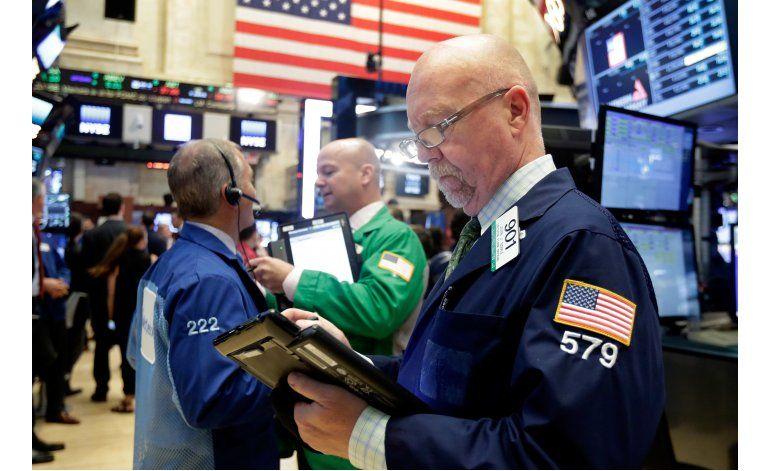 Wall Street cierra a la baja