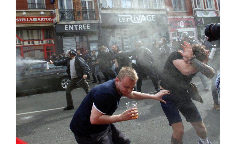 Euro: Policía rocía con gas lacrimógeno a ingleses en Lille