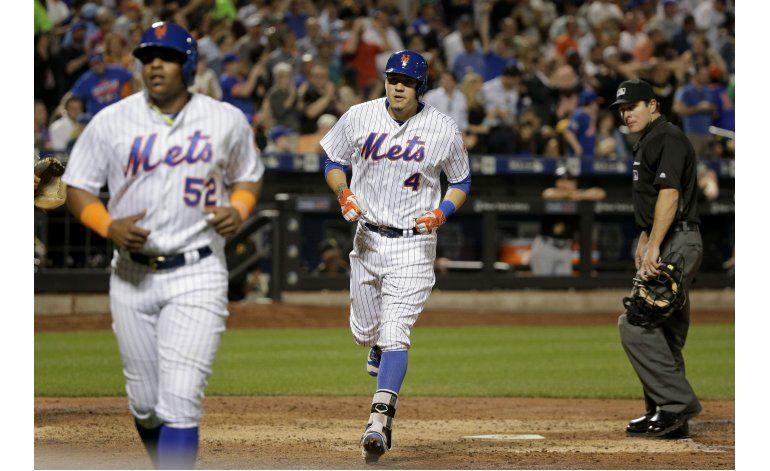 Con jonrón de Flores, Mets aplastan a Piratas