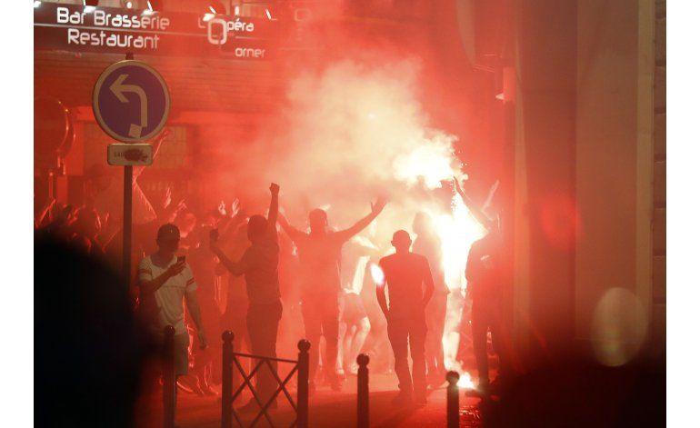Francia deportará a 20 rusos tras violencia en la Eurocopa