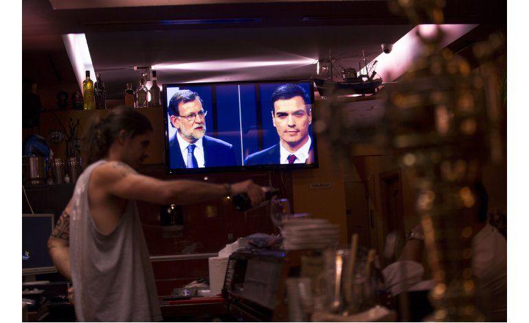 Rajoy protesta por visita en campaña de Cameron a Gibraltar
