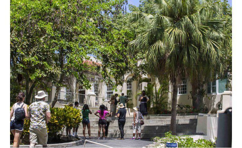 EEUU envía a Cuba material para proteger finca de Hemingway