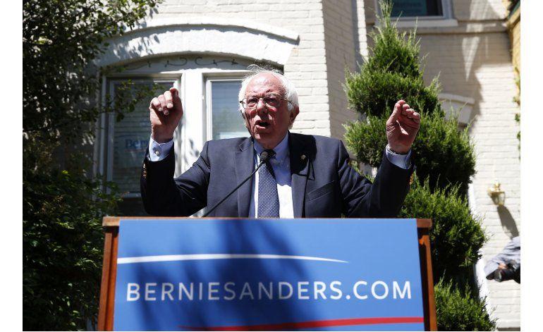 Demócratas quieren que Sanders respalde a Clinton