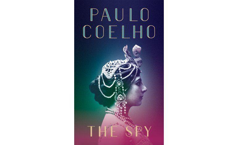 Paulo Coelho imagina la vida de Mata Hari en su nueva novela