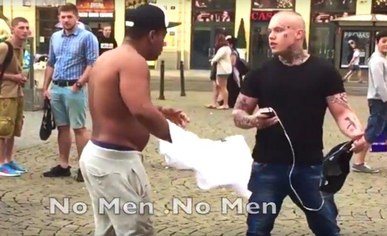 Un cubano buscando bronca con desconocidos en las calles de Praga