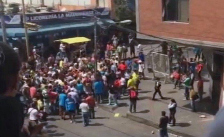 Venezuela sumida en el caos por ola de saqueo y protestas contra Maduro