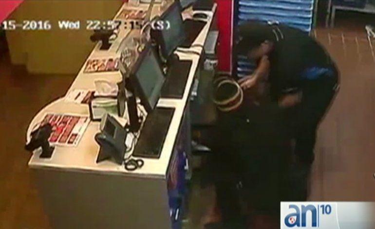 Dos ladrones asaltan negocio en la Pequeña Habana