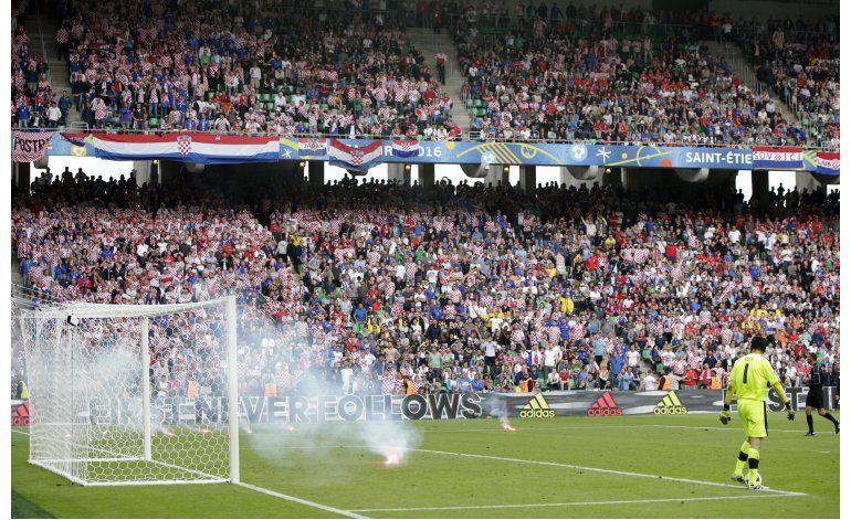 Euro: Croacia se desmorona ante R Checa en final accidentado