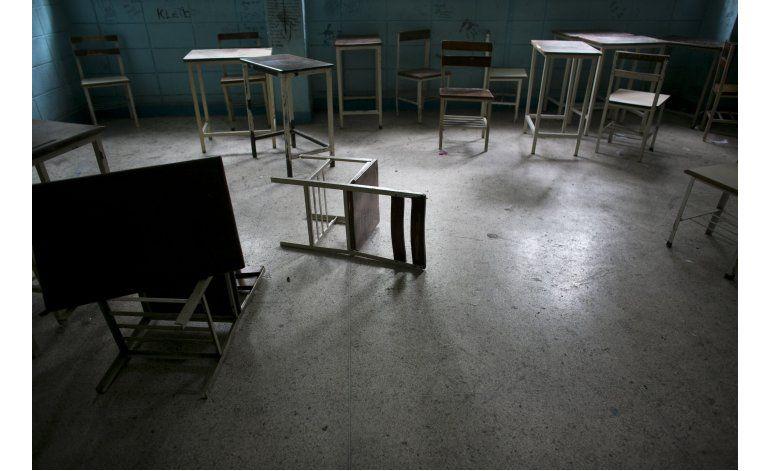 Escuelas venezolanas: Violencia y poca enseñanza
