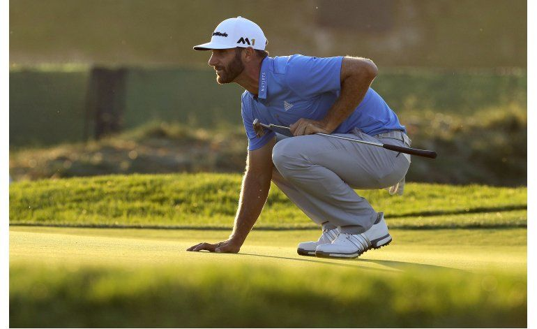 Dustin Johnson empatado en la cima del US Open