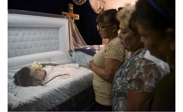 Familiares despiden a puertorriqueño asesinado en Orlando