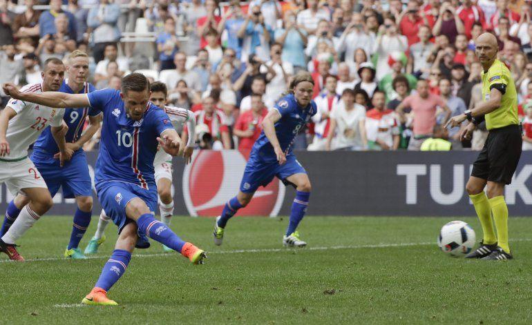 Hungría salva empate 1-1 con Islandia gracias a autogol