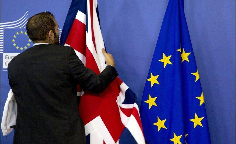 Cameron sobre defensor de Brexit: Quiere dividir el país