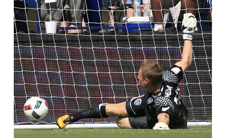 Con buena fortuna, Sporting derrota 2-0 al FC Dallas
