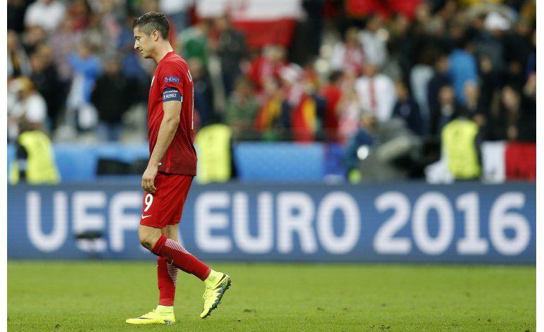 Lewandowski por su primer gol ante Ucrania