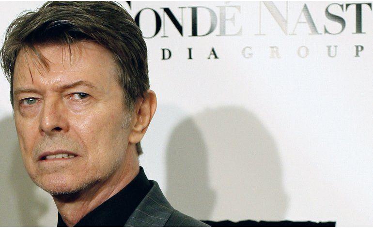 Pelo de David Bowie facturaría miles de dólares en subasta