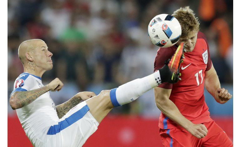 Inglaterra rota y paga el precio: quedó segunda en su grupo