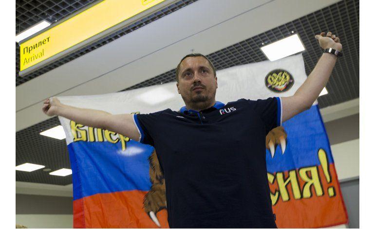 Hincha ruso detenido, enfrenta 2da deportación en un mes