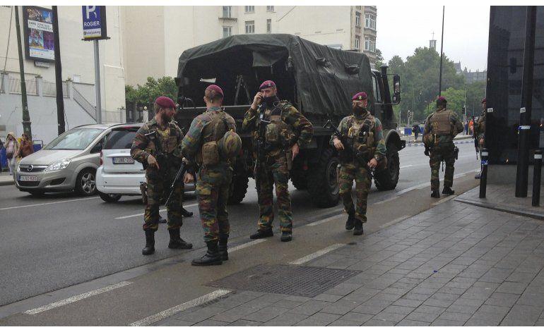 Detienen a un hombre tras alerta de seguridad en Bruselas