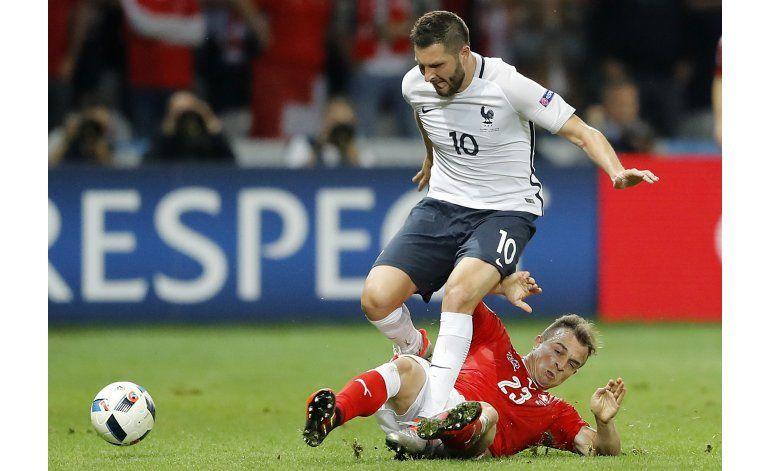 UEFA reemplazará césped en estadio de Lille