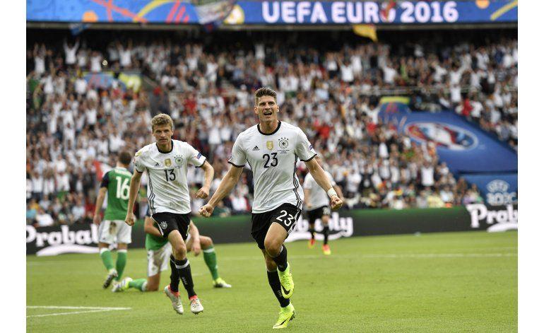 Gol de Gómez certifica pase de Alemania como primera