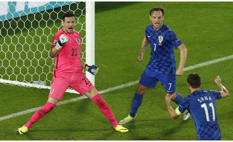 Croacia tumba a España y la condena a jugar contra Italia
