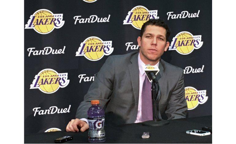 Walton toma finalmente el puesto de entrenador de los Lakers
