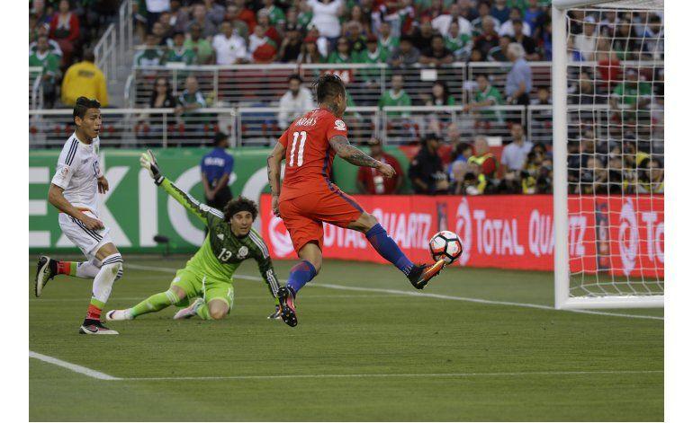 Turboman Vargas, el goleador que solo aparece con la Roja