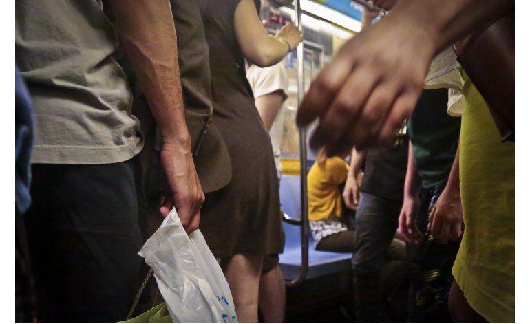Las pasajeras del metro de NY luchan contra delitos sexuales