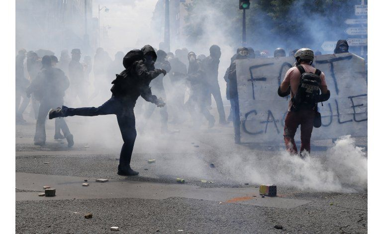 Protestas en París concluyen sin incidentes