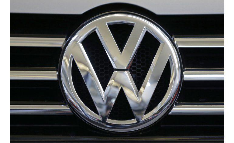 Fuentes AP: VW pagará 10.200 millones por emisiones