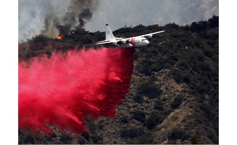 Merman incendios en California, crecen en el oeste del país