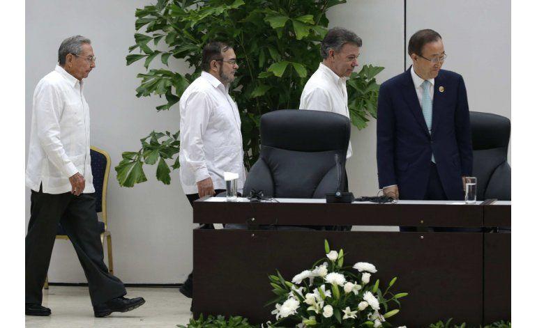 Colombia: firman cese fuego, desmovilización, entrega armas