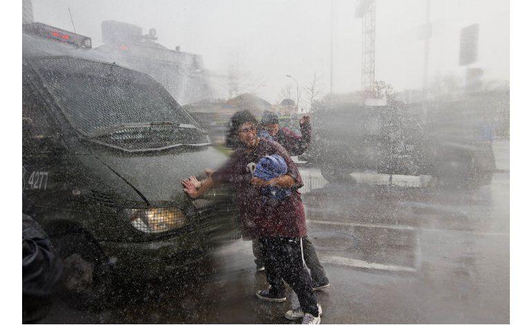 Estudiantes chilenos vuelven a las calles