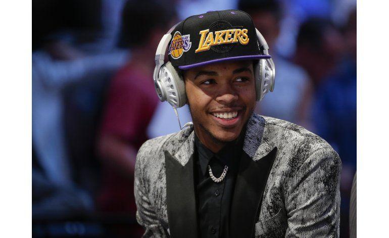 Los 76ers reclutan a Simmons como 1ra selección del draft