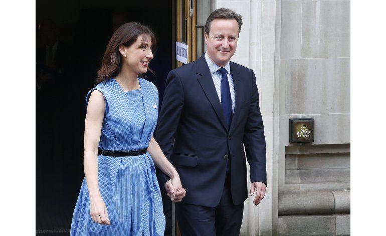 LO ULTIMO: Miles de británicos piden otro referéndum