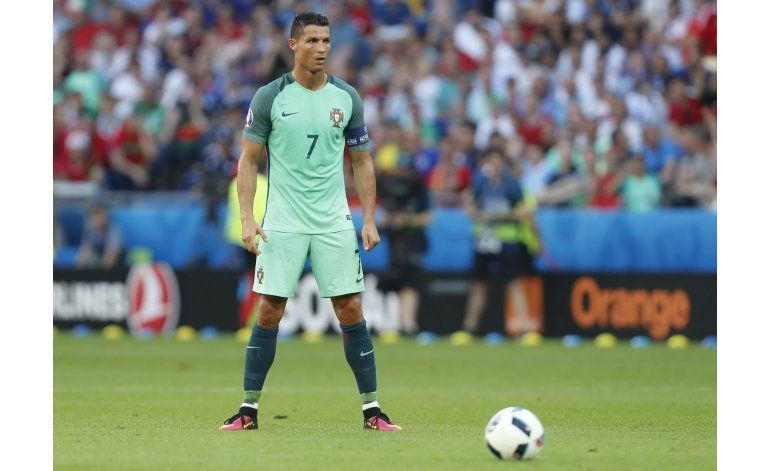 Tras colarse con empates, Portugal enfrenta a Croacia