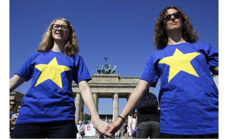 Miembros fundadores de la UE piden rápido inicio de Brexit