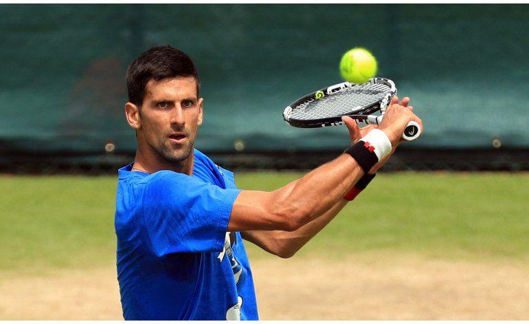 Federer quiere salvar su temporada en Wimbledon